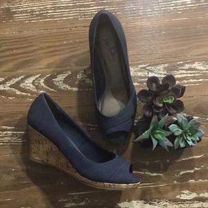 LIFE STRIDE navy blue peep toe cork wedge heel